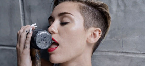 Miley cyrus with hammer